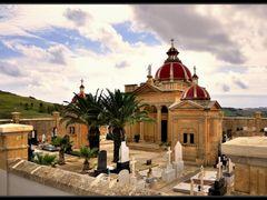 Iglesia y cementerio - Isla de Gozo - Malta by <b>Karppanta</b> ( a Panoramio image )