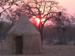 Magie du soir sur une humble demeure by <b>Lydie STUELSATZ-DERBEZ</b> ( a Panoramio image )
