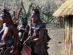 Africa - Namibia - La popolazione Himba e molto fedele alle sue  by <b>valerio giulianelli</b> ( a Panoramio image )