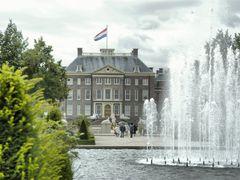Palacio Real de Het Loo by <b>Ramon  2011</b> ( a Panoramio image )