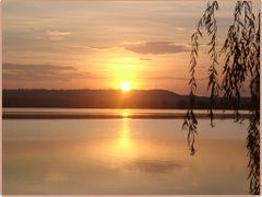 Napnyugta a Kis-Balatonon by <b>Bozor Magdi</b> ( a Panoramio image )