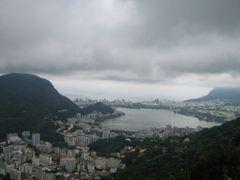 Lagoa Rodrigo de Freitas - Dedicada ao amigo Carioca Kilson by <b>Eri Martins</b> ( a Panoramio image )