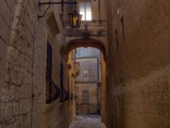 Triq (calle - street) is-Sur. Mdina, Malta.  (Dedicada/dedicated by <b>Francisco dos Santos</b> ( a Panoramio image )