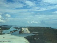 Staniel Cay, Exumas, Bahamas by <b>adventuretravelww.com</b> ( a Panoramio image )