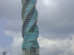 EL TORNILLO (THE REVOLUTION TOWER) by <b>LUIS PALMA</b> ( a Panoramio image )