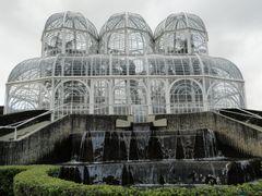 Cascata no Jardim Botanico - Curitiba - Parana - Brasil by <b>Paulo Yuji Takarada</b> ( a Panoramio image )
