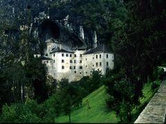 Slovenia - Predjamai barlangvar - Predjama Castle 1989 (analog s by <b>LeoW_travel</b> ( a Panoramio image )