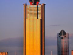 The sun shines  World Trade Center Building by <b>aoriika</b> ( a Panoramio image )