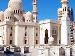 Abu al-Abbas al-Mursi Mosque - Alexandria, Egypt by <b>Летящая~</b> ( a Panoramio image )