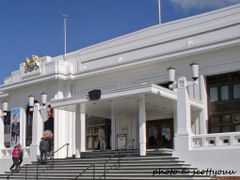 Old Parliament House, Canberra by <b>scotty03</b> ( a Panoramio image )