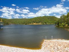 Shannon Creek Dam when newly full by <b>Steve Bennett</b> ( a Panoramio image )