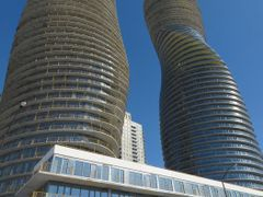 """Marilyn Monroe Towers"", Absolute World Towers, Mississauga, ON, by <b>Auggie</b> ( a Panoramio image )"