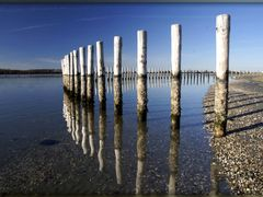 blue mirror... by <b>els f</b> ( a Panoramio image )