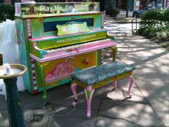 Hyde Park Square, PMIY Piano by <b>jdittelberger</b> ( a Panoramio image )