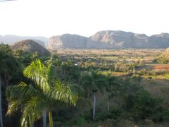 fevrier 2011 vinales los jazmines by <b>lolo&steph</b> ( a Panoramio image )