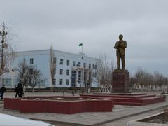 Turkmenbashi statue on the main square in Koneurgench by <b>Sergey Abasov</b> ( a Panoramio image )