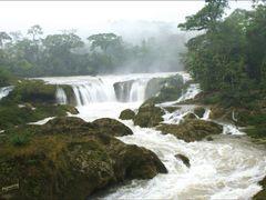 Causas Verdes las Nubes Chiapas by Mel Figueroa by <b>Mel Figueroa</b> ( a Panoramio image )