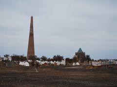 Huge minarette and blue mausoleum by <b>Sergey Abasov</b> ( a Panoramio image )