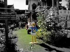 ?Donald Duck in Chiang Mai? by <b>?AXL?BACH?</b> ( a Panoramio image )