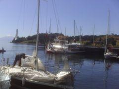 Marina de Frutillar en dia de regatas by <b>Jose Pedro Martinez</b> ( a Panoramio image )