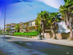 cielos, roto y extrano en calle Bolivia, (Malaga) by <b>ramtto</b> ( a Panoramio image )