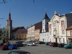KRALIKY - cast namesti - KRALIKY - part of the square by <b>votoja - CZ</b> ( a Panoramio image )