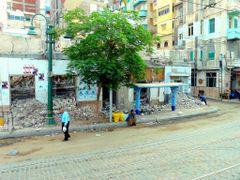 """Egypte, un arret de Tramway dans la ville d""""Alexandrie by <b>Roger-11</b> ( a Panoramio image )"""