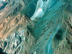ущелье Муксу by <b>Sergey Bulanov</b> ( a Panoramio image )