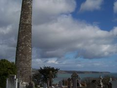 "eire - Aird Mhor, co phort lairge -  cloigtheach, ar c""hloc""hdi  by <b>Farz Forn</b> ( a Panoramio image )"