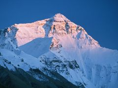 Everest North Face by <b>Dirk Jenrich</b> ( a Panoramio image )