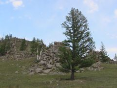 "Hond uul ""funeral mountain"" - Mongoliadventure expeditions by <b>Marmai Ippolito</b> ( a Panoramio image )"