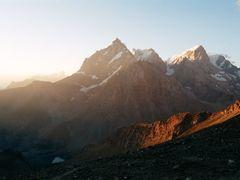Чапдара на восходе by <b>a_makunin</b> ( a Panoramio image )