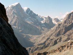 Вершины Замок и Пайхамбер by <b>a_makunin</b> ( a Panoramio image )