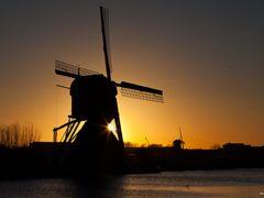De Blokker / Blokweerse Molen, Kinderdijk by <b>© BraCom (Bram)</b> ( a Panoramio image )
