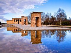 Templo de Debod by <b>choniron NO VIEWS</b> ( a Panoramio image )