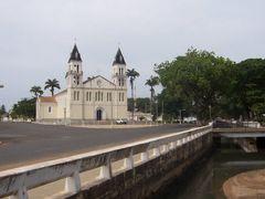 Oficina de Asuntos Interiores de Sao Tome by <b>paco villar</b> ( a Panoramio image )