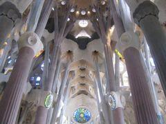 Nave central. Sagrada Familia by <b>Bach Quatre</b> ( a Panoramio image )