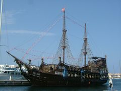 Pirate Ship by <b>AlexMatos</b> ( a Panoramio image )