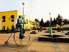 Mexico, D.F., Delegacion Miguel Hidalgo, Senora Ciclista. by <b>Pecg17</b> ( a Panoramio image )