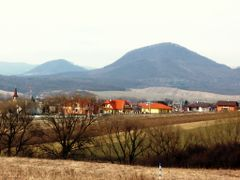 Straz a Lysa Straz v pozadi I. by <b>Majo 65</b> ( a Panoramio image )