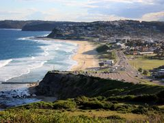 Bar Beach to Merewether by <b>Greg Swinfield</b> ( a Panoramio image )