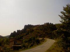 Vrazji kamen i crkva  na vrhu-pogled od Trgovista by <b>Sinisa Mihajlovic</b> ( a Panoramio image )