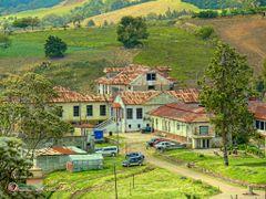 Visitando el pasado---Sanatorio Duran, Tierra Blanca  de Cartago by <b>Melsen Felipe</b> ( a Panoramio image )