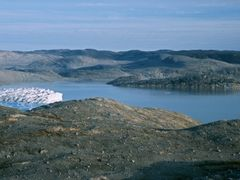 Isvand, East of Austmannadalen by <b>Dirk Jenrich</b> ( a Panoramio image )