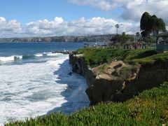 Cliffs Below Ellen Browning Scripps Park, La Jolla, San Diego, C by <b>davidcmc58</b> ( a Panoramio image )