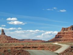 Utah / Valley of the Gods by <b>Alfred Mueller</b> ( a Panoramio image )