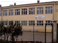 "Gjimnazi ""Eqrem Cabej""  by <b>Bessart</b> ( a Panoramio image )"