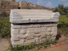 Sarcofago Romano em Marmore de Cesareia - Sedot Yam, Hefa - Isra by <b>Geraldo Salomao</b> ( a Panoramio image )