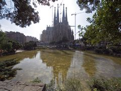 Barcelona, La Sagrada Familia by <b>longdistancer</b> ( a Panoramio image )