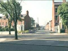 BELFAST STREET 2 by <b>CLIVE BAILEY</b> ( a Panoramio image )